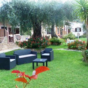 Anneta-Studios-Home-garden2